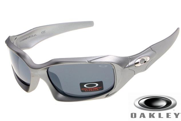 ce53eadfce1 Oakleys Pit Boss Sunglasses Silver Frame Gray Iri.